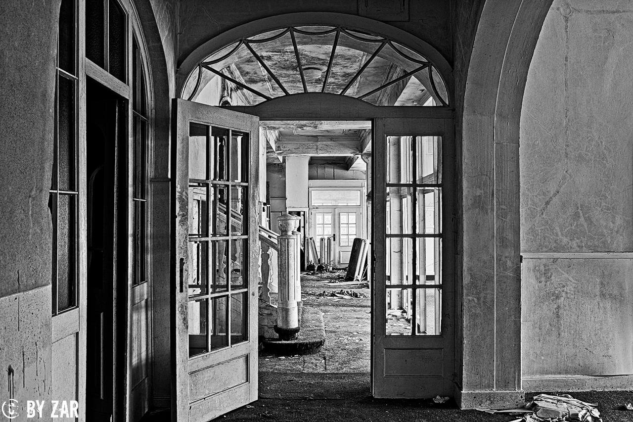 Loges-Schule-Physiotherapie-0 Lost Places