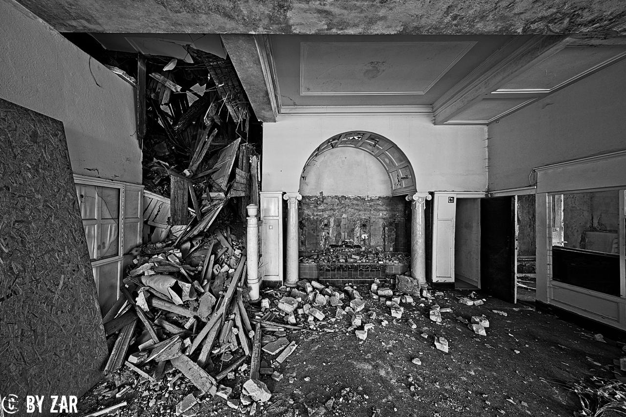 Loges-Schule-Physiotherapie-2 Lost Places