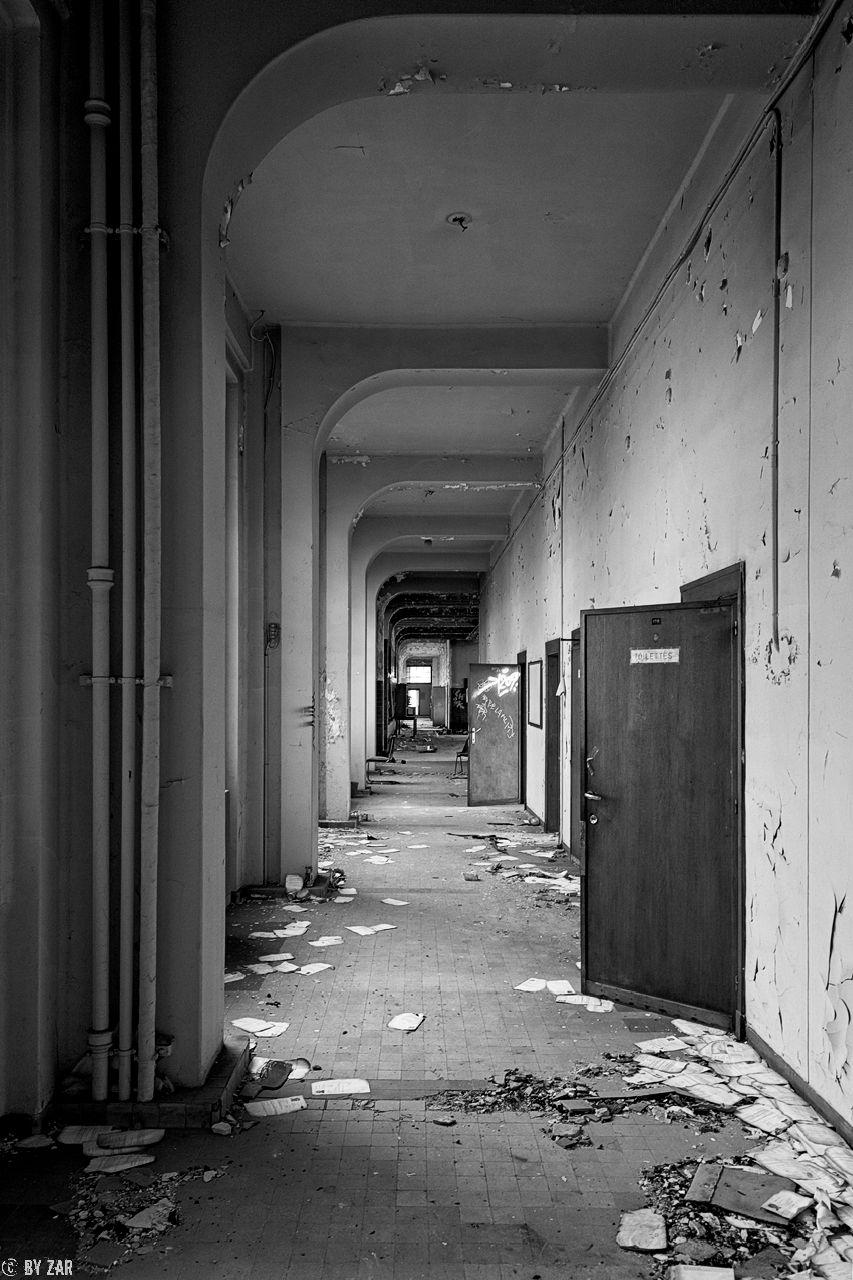 lost-place-universitaet-3
