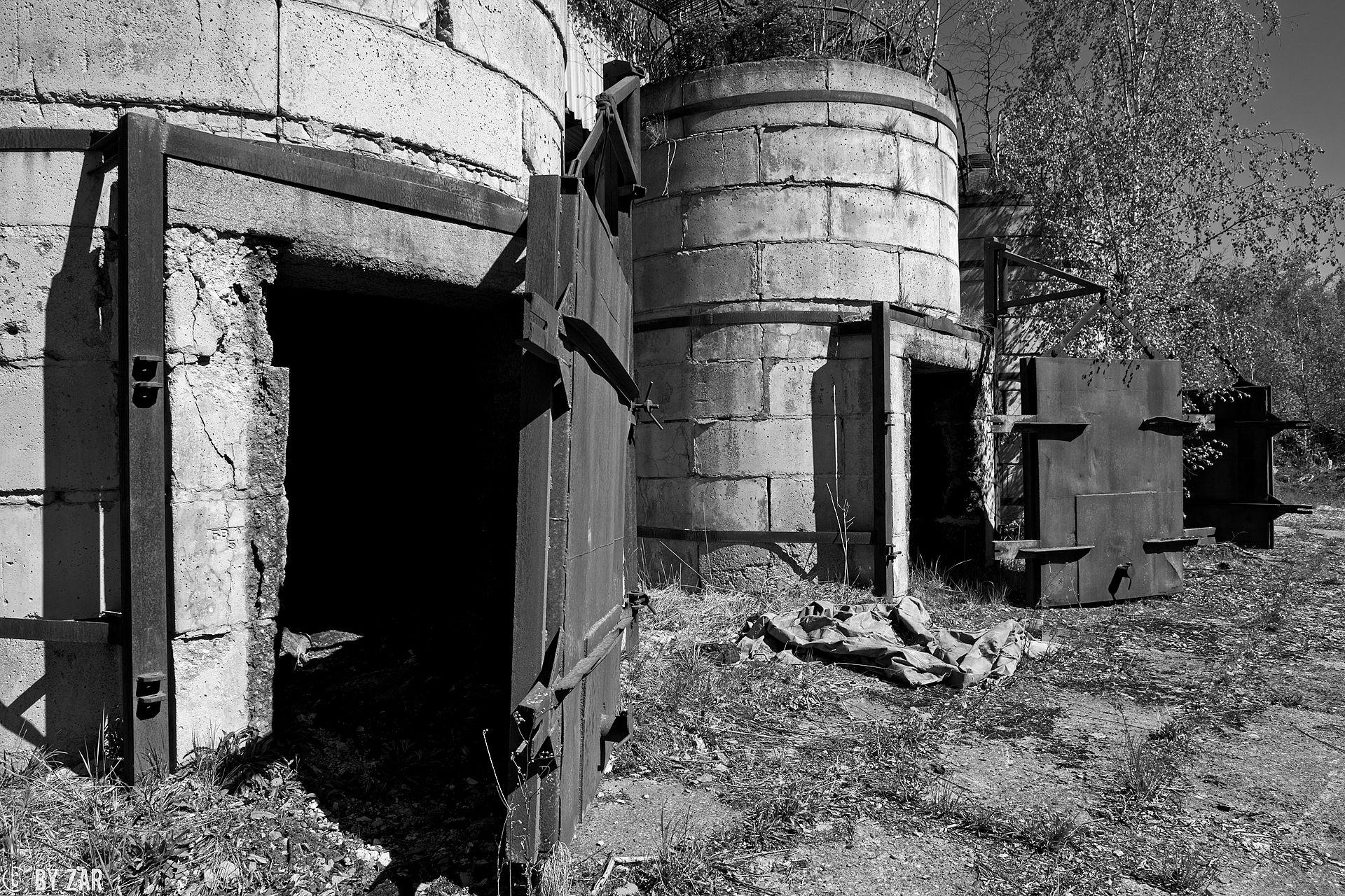Lost im Harz - verfallene Köhlerei mitten im Wald